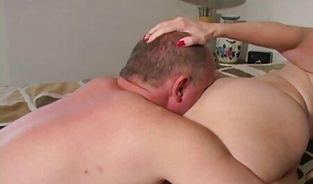 سکسی دختر, همسایه می شود از طریق یک سوراخ سایت دانلود کلیپ سکسی در جوراب شلواری