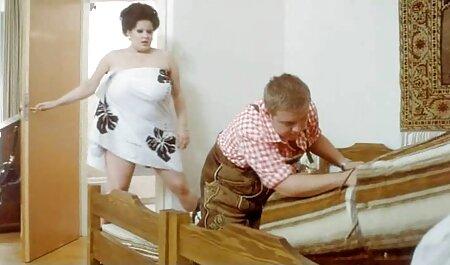 گاییدن, مادر بزرگ نوجوان و مهبل (واژن دانلود کلیپ سگس