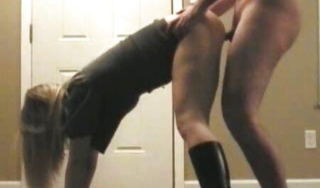 Fucks در یک دختر در بیدمشک در مقابل یکی دیگر دانلود کلیپ دوربین مخفی سکسی از