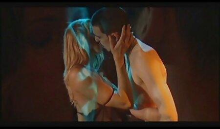 روسی, مدل خودش fucks دانلود رایگان کلیپ های سکس در الاغ