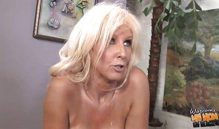سیاه و سفید فاحشه در دانلود کلیپ سکسب
